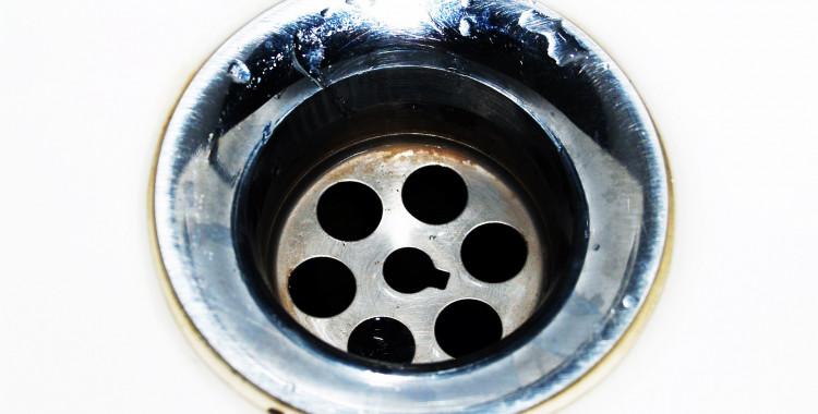 TIPY A TRIKY NA VÁNOČNÍ ÚKLID OD NEJPOVOLANĚJŠÍCH - odpady * vodní kámen * rez